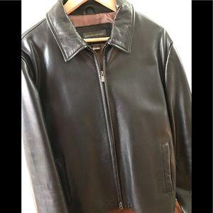 Vintage 💯% Banana Republic leather jacket
